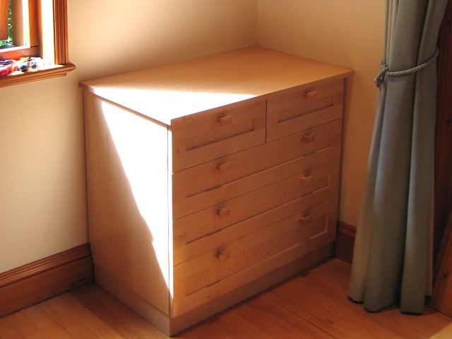 Maple Bedroom Furniture Including A Chest Of Drawers