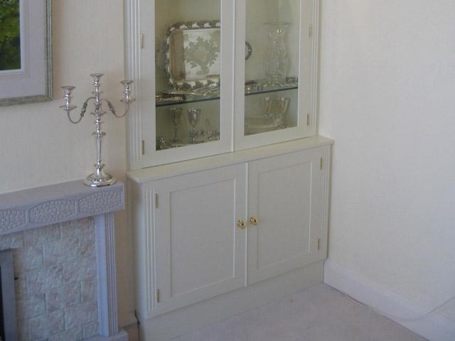 Bourne S Fine Furniture White Lounge Display Cabinets