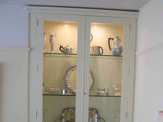 Bourne S Fine Furniture White Lounge Display Cabinets